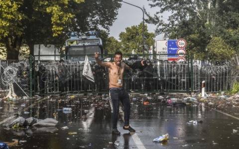 Thumbnail image for 'Borderless' Europe in peril as Hungary's fence brings calm and chaos