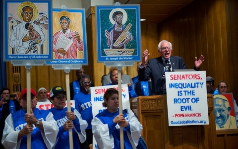 Thumbnail image for Bernie Sanders joins striking workers demanding audience with pope