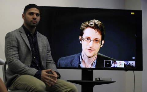 Thumbnail image for Edward Snowden, supporters, unveil anti-spying 'Snowden Treaty'