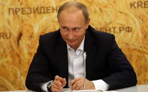 Thumbnail image for With Putin in the limelight, edgy UN awaits clarity on Russia's Syria move