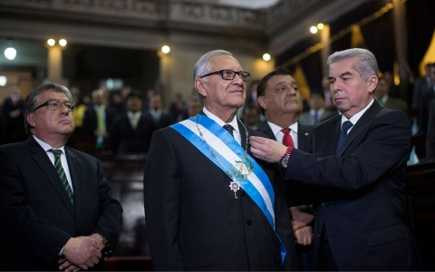 Thumbnail image for Guatemala congress swears in new president