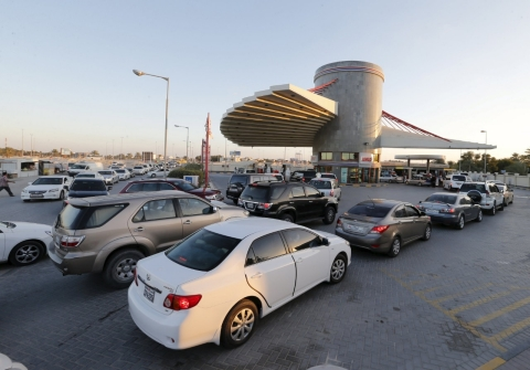Thumbnail image for Bahrain, Oman cut gas subsidies as oil hits 12-year low