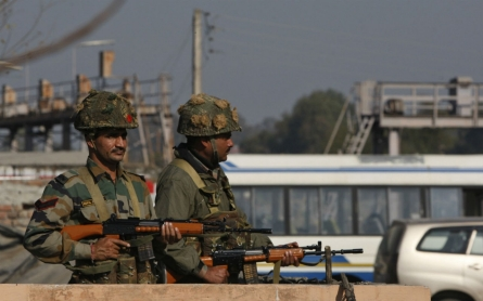 Indian military base near Pakistan attacked by gunmen