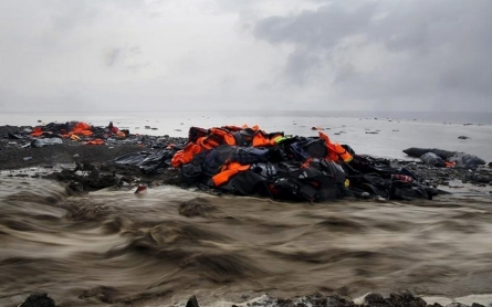 At least 45 refugees drown off Greece