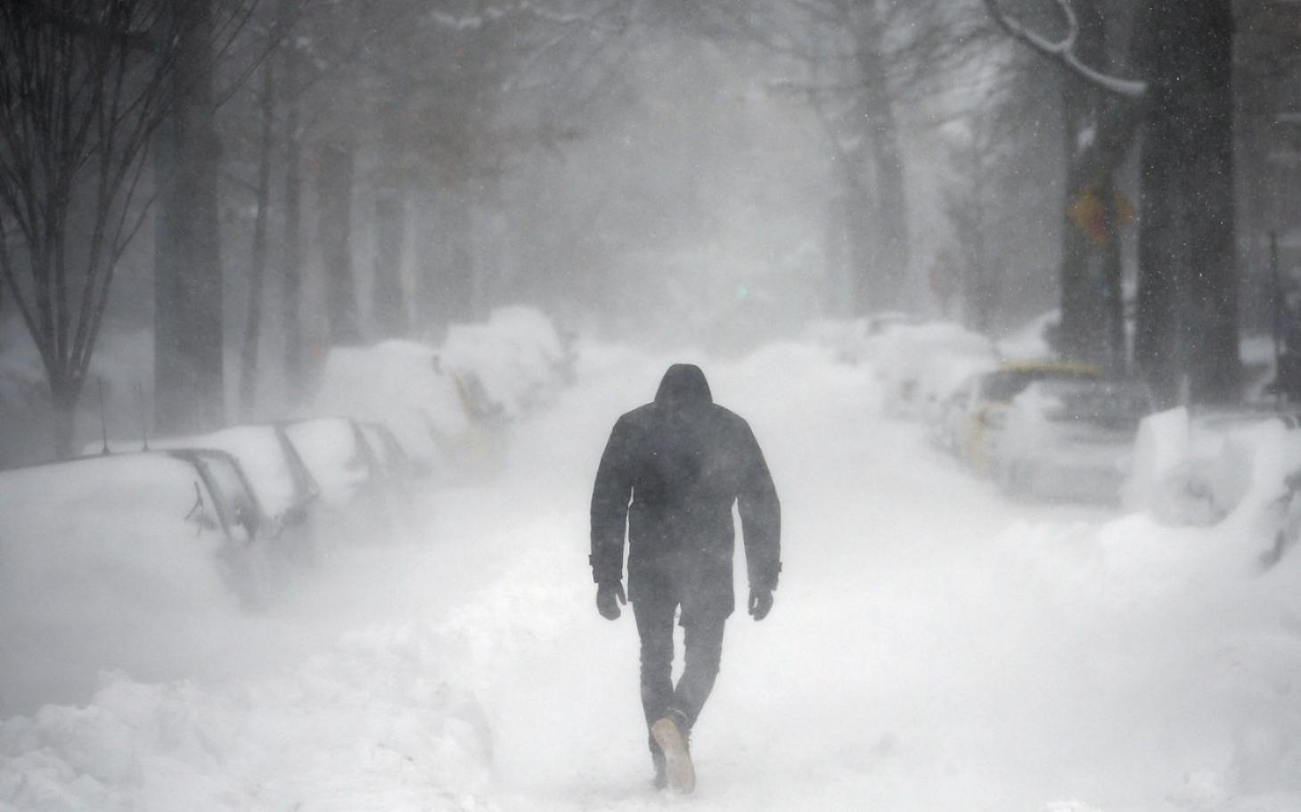 blizzard with hurricane winds hits east coast al jazeera