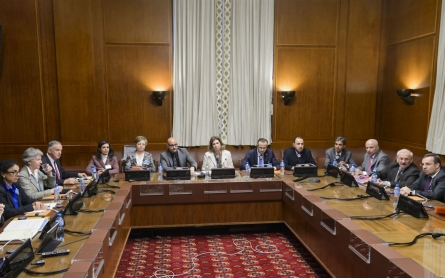 Syrian opposition representatives arrive in Geneva to assess peace talks
