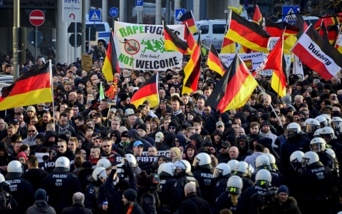 Thumbnail image for German far-right protests against refugees turn violent
