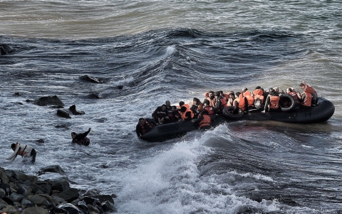Thumbnail image for NATO to target people smugglers in Aegean Sea