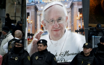 Pope Francis speaks out against corruption in Mexico