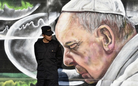 In violent suburb called 'Saint Death', Pope criticizes Mexico´s rich
