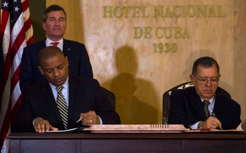 Thumbnail image for US, Cuba sign deal on commercial flights