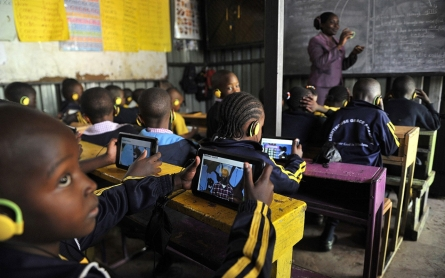 Survey: 54 percent in developing world use Internet