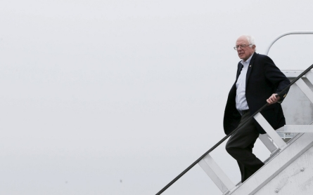 Sanders surges in West Virginia, as one-time favorite Clinton falters