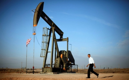 Obama to seek new tax on oil in budget proposal