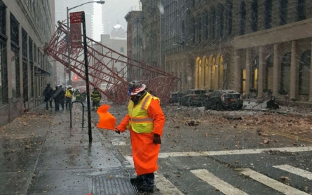 One dead, two seriously injured in Manhattan crane collapse