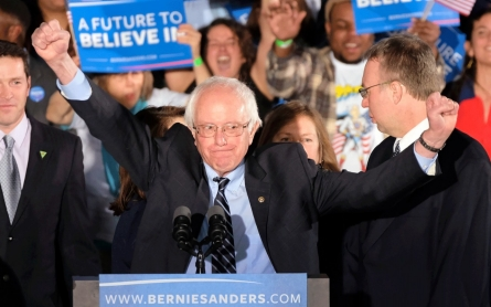Sanders defeats Clinton, Trump wins in New Hampshire