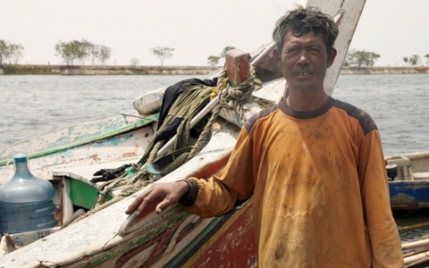 Thumbnail image for Life in Indonesia's sinking capital