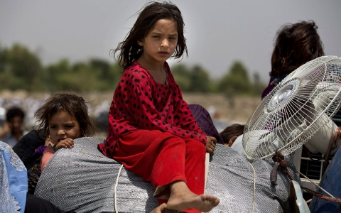 Thumbnail image for Tens of thousands flee Pakistan offensive