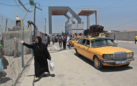 Thumbnail image for Rafah crossing provides hope to exit Gaza