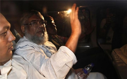Death sentences for two Bangladesh leaders upheld