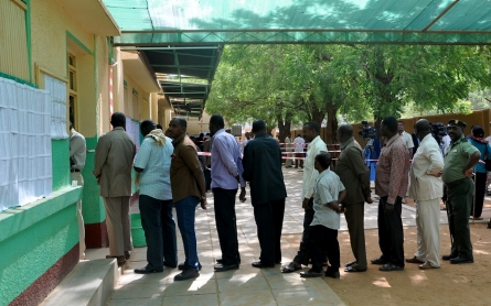 Sudan votes in elections set to extend Bashir's rule