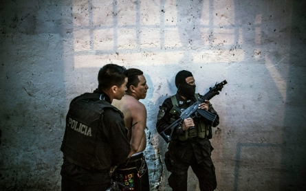 As murders soar, El Salvador gangs want to talk truce