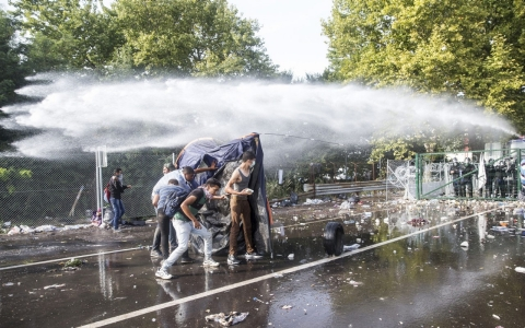 Thumbnail image for UN 'shocked' over Hungary action against refugees