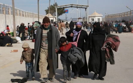 Cease-fire talk as 50,000 Syrians flee Aleppo fighting