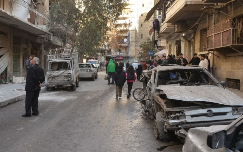 Thumbnail image for Humanitarian aid sent to besieged Syrian towns