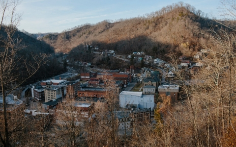 Thumbnail image for As coal fades in West Virginia, drugs fill void