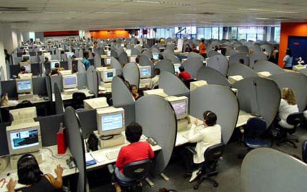 Call centers: Returning to Mexico but sounding 'American' | Al ...
