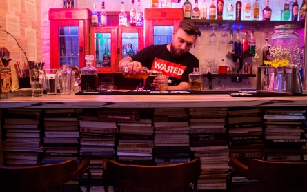 The hipster bar of Donetsk moves lock, stock and cocktails to Kiev
