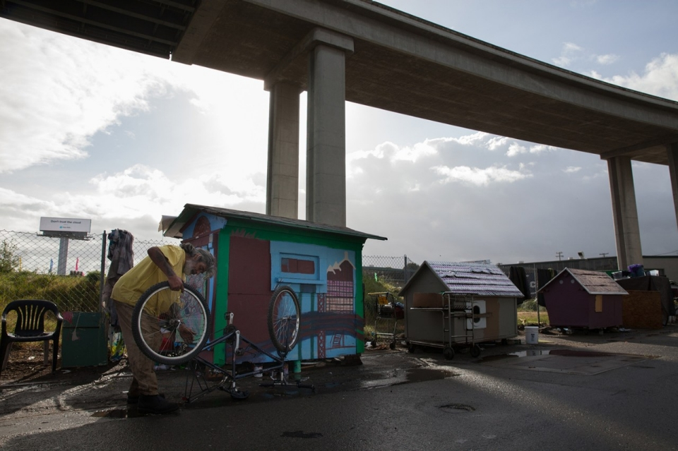 Building Miniature Dream Houses for the Homeless Al Jazeera America