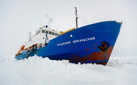Photos from the MV Akademik Shokalskiy, stranded in Antarctic ice
