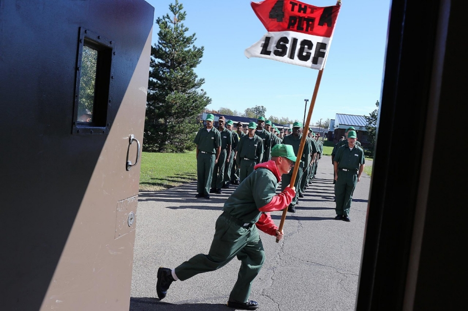 """the advantages of using shock incarceration Criminology term papers (paper 42253) on the pros and cons of boot camps:  otherwise known as """"shock incarceration,"""" boot camps became prevalent in the 1980s."""