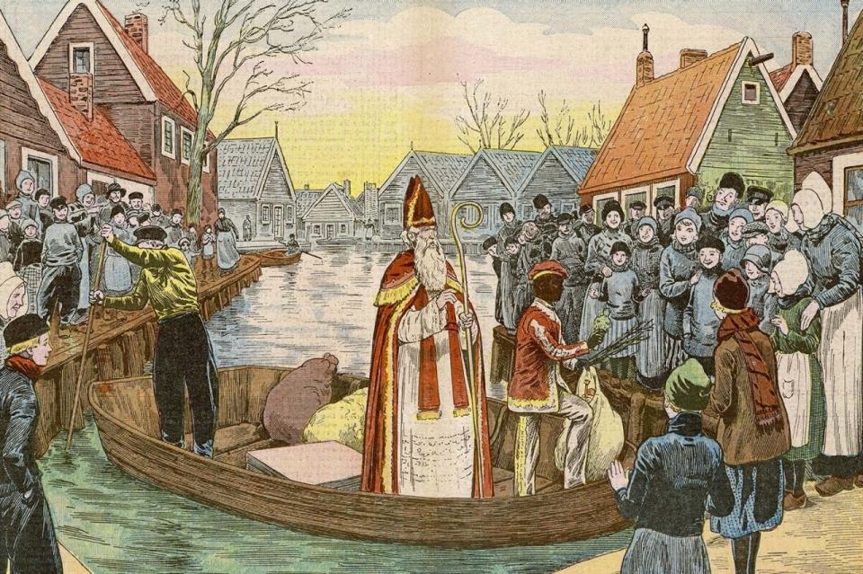Дед Мороз по-голландски: на лодке и с чернокожими помощниками