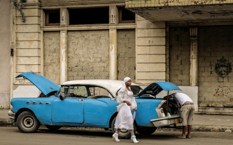 Thumbnail image for  Photos: Cubans allowed to buy cars for the first time in decades