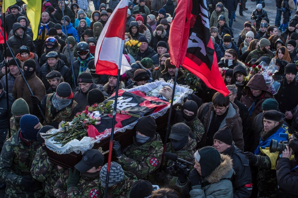 photos  ukraine protests turn deadly