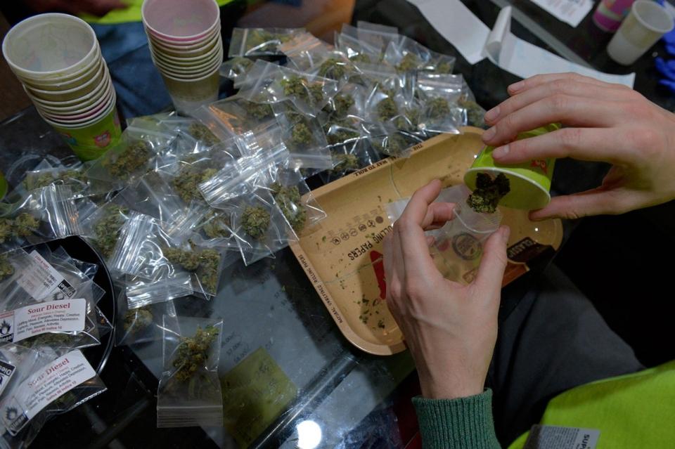 Photos State Licensed Marijuana Shops Open In Colorado