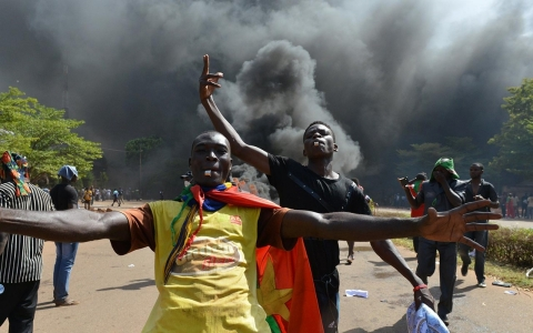 Thumbnail image for Photos: Protesters storm Burkina Faso parliament
