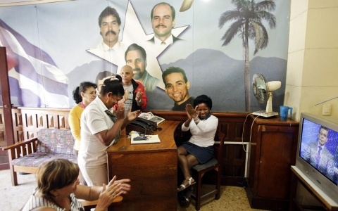 Thumbnail image for Photos: Reaction in Cuba to normalization of relations with US