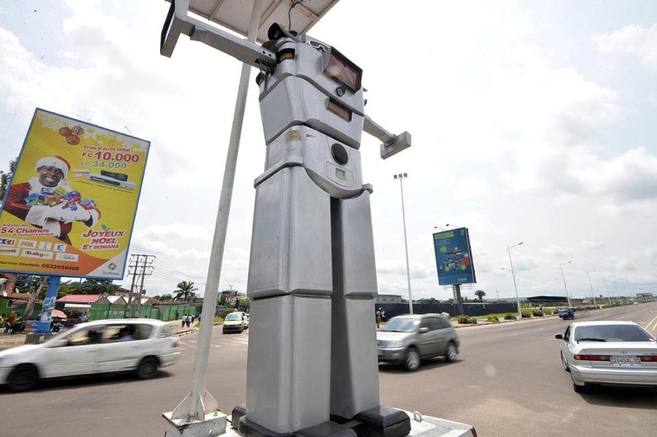 Photos: DR Congo's traffic robocops | Al Jazeera America