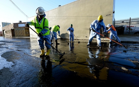 Thumbnail image for Photos: California oil spill