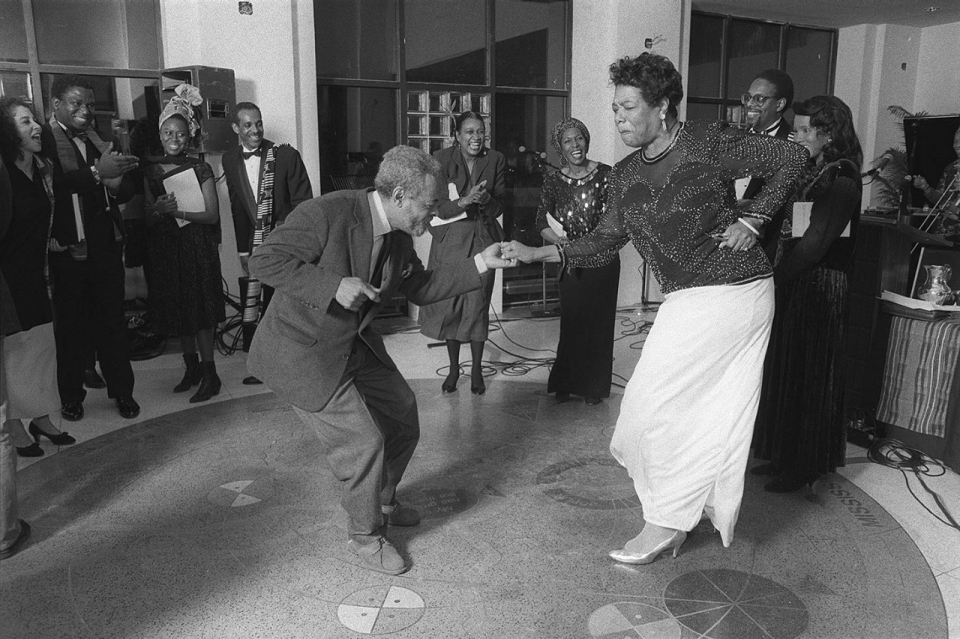 Maya Angelou, celebrated poet and civil rights campaigner, dies at ...