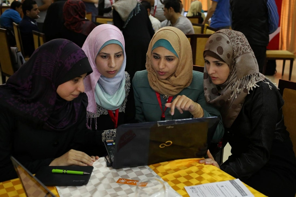 A Startup Sisterhood In Gaza Al Jazeera America
