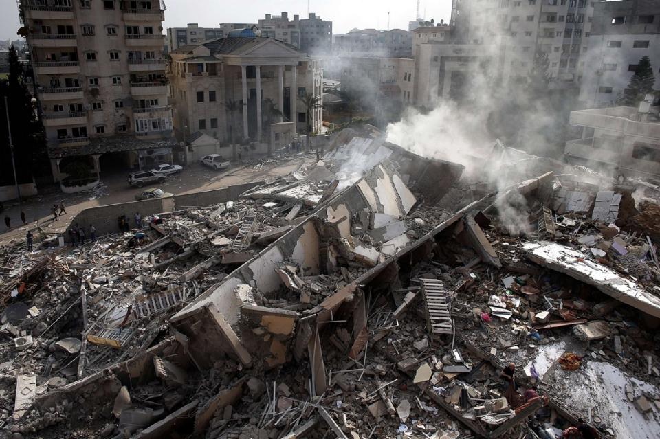 Photos Aftermath Of Israeli Bombing Of Gaza Apartment