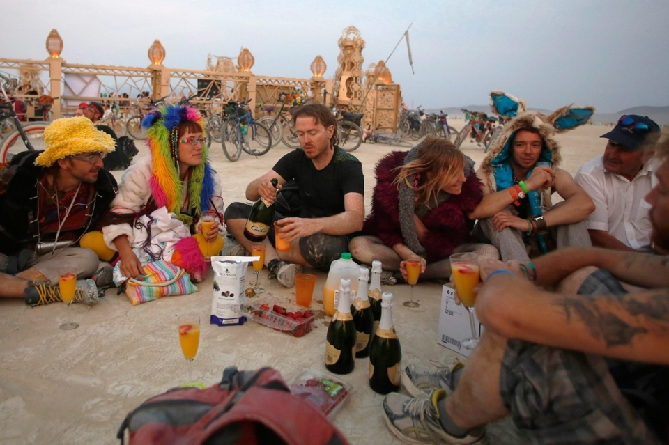 Photos Burning Man Festival Draws Tens Of Thousands To