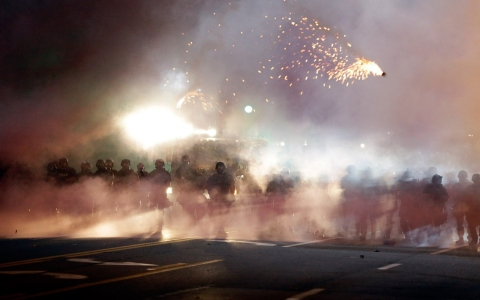 Thumbnail image for Photos: Protests continue for fourth night in Ferguson