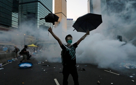 Thumbnail image for Photos: Hong Kong protesters dig in