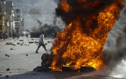 Thumbnail image for Photos: Protests in Haiti call for political change